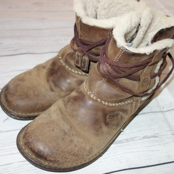 b23d12fb7cf Ugg Cove Leather Ankle Boot Women 8 Fleece